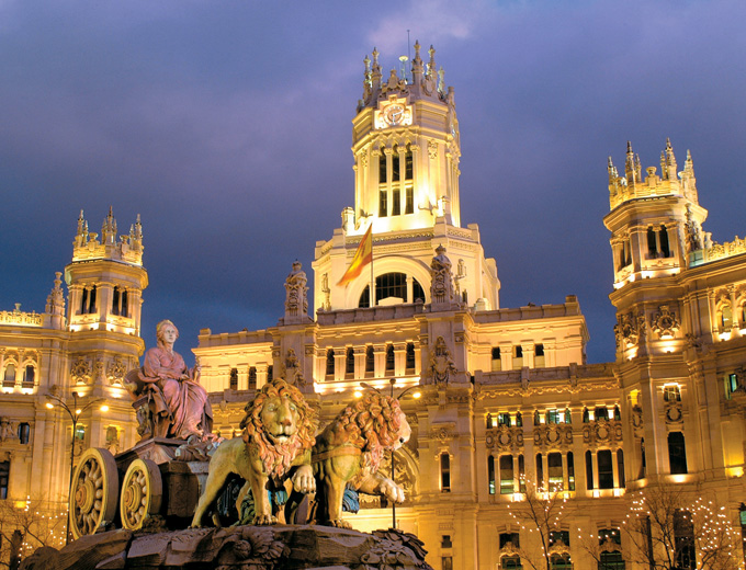 Plaza-de-Cibeles_Plaza-de-Cibeles-view-by-night_3534