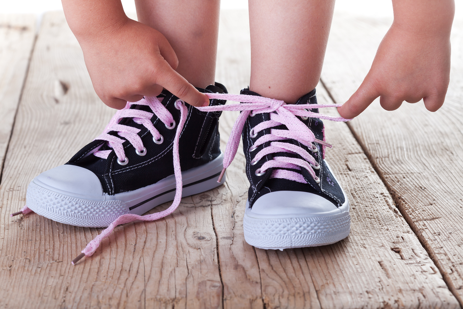 http://www.google.gr/imgres?imgurl=http://www.talcmag.gr/wp-content/uploads/2014/09/bigstock-Child-Successfully-Ties-Shoes-34396691.jpg&imgrefurl=http://www.talcmag.gr/sizitondas/syntonisou-paidi-mou/&h=1067&w=1600&tbnid=t3gQZYMfM6oWqM:&docid=QxF6ro9rKtydCM&ei=fuO1VdOiKYuzsQHm5pvYAg&tbm=isch&ved=0CCQQMygGMAZqFQoTCNPZrrTq-sYCFYtZLAodZvMGKw