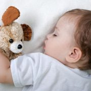 baby-sleeping-teddy-main_article_new