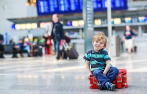 Kid_with_his_luggage_800x515_tcm638-558662
