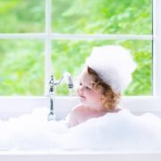 10-Surprisingly-Useful-Things-You-Can-Do-With-Baby-Shampoo-e1470145436475