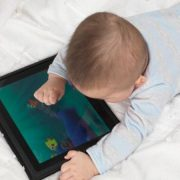 280E441C00000578-3056802-A_third_of_babies_are_using_on_smartphones_and_tablets_even_befo-a-3_1430134327827