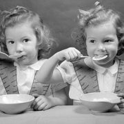 kids_eating_soup