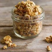 Homemade-Coconut-Oil-Honey-Almond-Granola-1