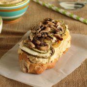 Hummus-veggie-katiki-sandwich