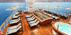 windstar-wind-surf-cruise-deck