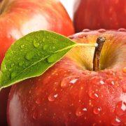 fruit_leaf_red_drop_apple_close-up_81016_3840x2400