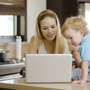 mom-toddler-computer-shop