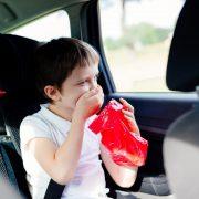 το παιδί ζαλίζεται στο αυτοκίνητο