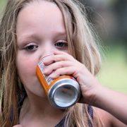 κατανάλωση αναψυκτικών από τα παιδιά