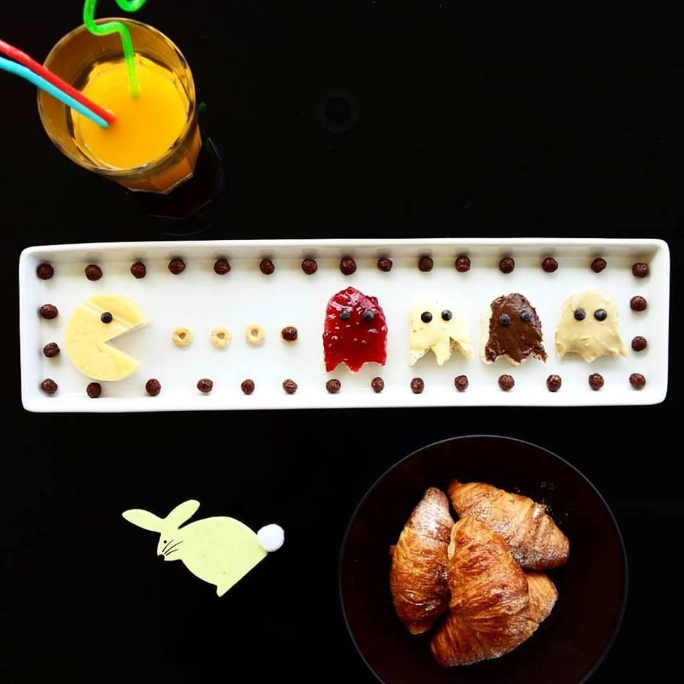 Ψωμί του τοστ με διάφορες γεύσεις (ταχίνι, πραλίνα, μαρμελάδα, βούτυρο και τσένταρ)