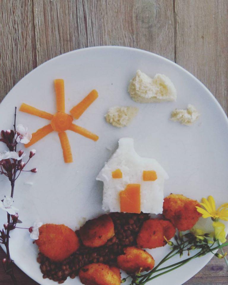 Μικρό σπίτι στο λιβάδι-φακόρυζο με κοτομπουκιές