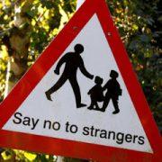 να μην μιλάς σε ξένους