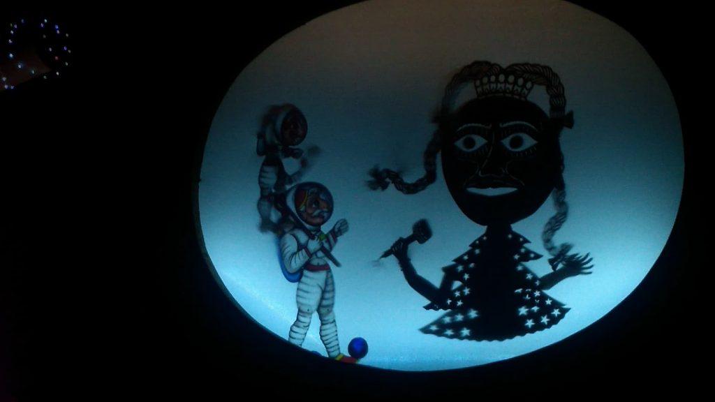 Τα Χριστούγεννα του Καραγκιόζη στο φεγγάρι