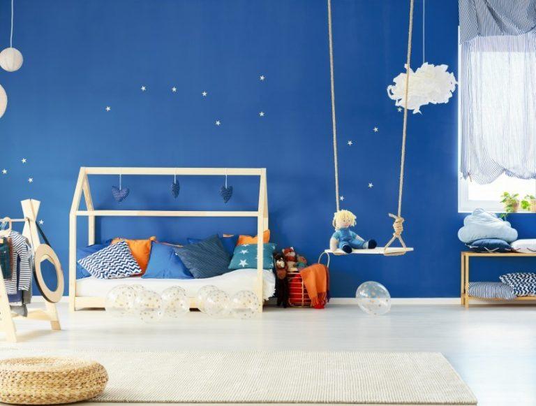 μπλε-χρώμα-για-παιδικό-δωμάτιο-768x581