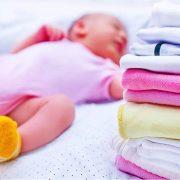 πλύσιμο των ρούχων του μωρού