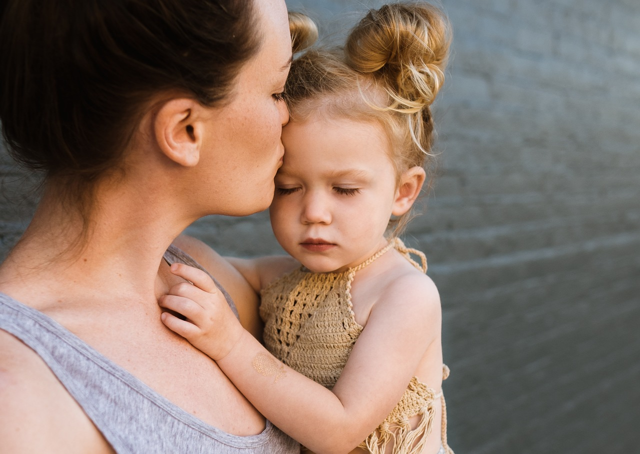 γιατί δεν με αγκαλιάζει το παιδί μου