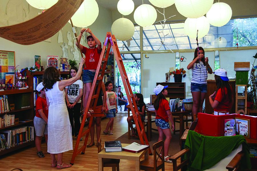 Ετοιμασίες για τη γιορτή έναρξης της Καλοκαιρινής Εκστρατείας_Search Παιδική Βιβλιοθήκη Κηφισιάς