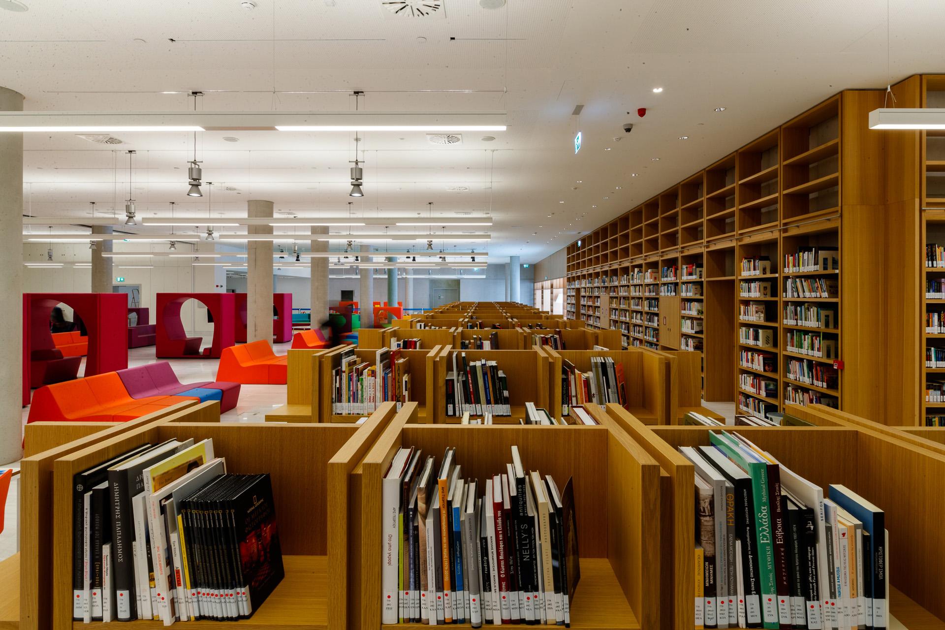 Δανειστικό Τμήμα της Εθνικής Βιβλιοθήκης της Ελλάδος ©ΕΒΕ_Νίκος Καρανικόλας