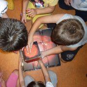 εκπαιδευτικά προγράμματα στον Ελληνικό Κόσμο