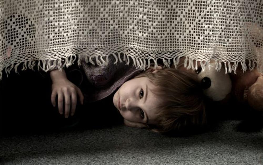 βιασμούς παιδιών