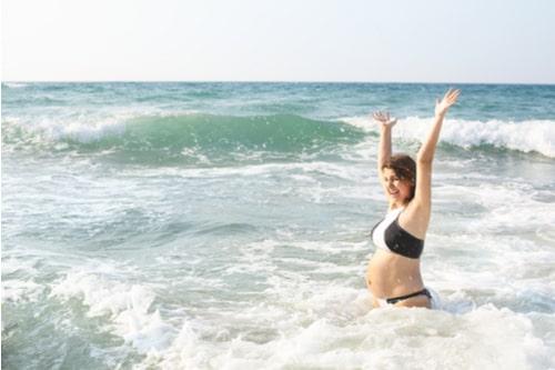έγκυος καλοκαίρι